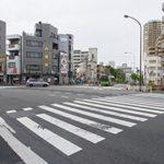 【横断歩道のデザインが変わったの知ってた?】あなたの思い浮かべる横断歩道は?ハシゴ型?シマシマ模様?